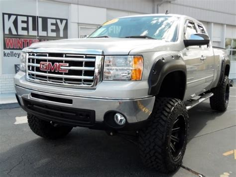 gmc sierra  sle lifted   miles pure