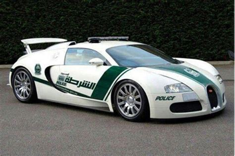 Nieuwe politie auto Dubai: Bugatti Veyron   Saabforum.nl