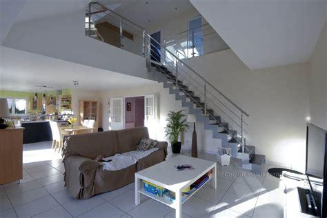 escalier moderne vide sur s 233 jour plafond cath 233 drale le volume habit 233 est m 233 tamorphos 233