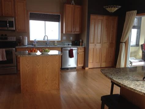 kitchen cabinets floor and trim baseboard colors