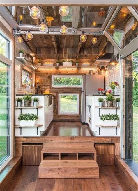 tiny house construction  growing trend   housing