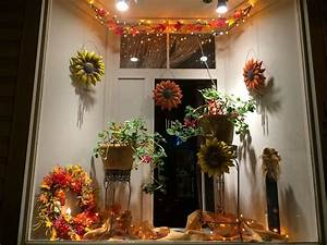 Pretty, Fall, Decorations, For, Your, Front, Window, Display