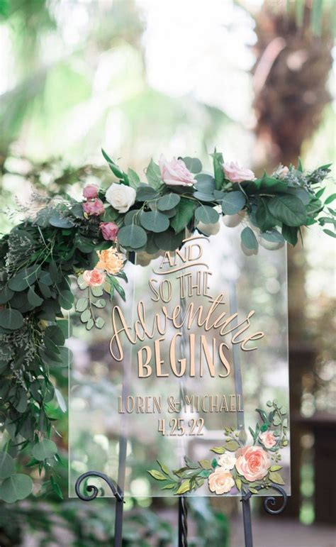 chic greenery wedding signs   trends