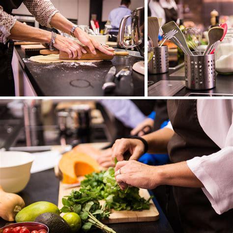 cours de cuisine en groupe découvrez les cours de cuisine en groupe des papilles à la