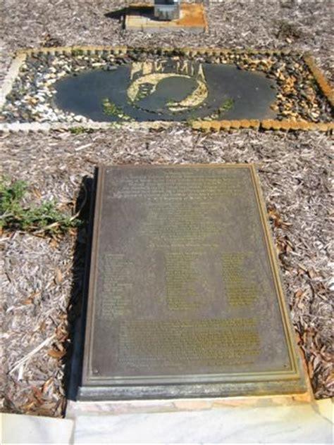 pow memorial veterans memorial park ta fl