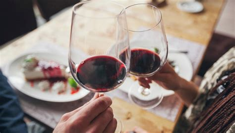 bad weather leads  global decline  wine production