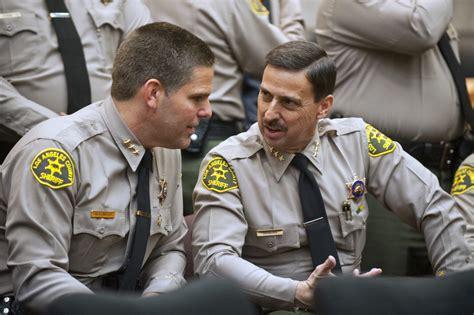slideshow  sheriff sworn   lee baca retires faces