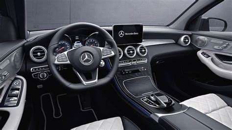 dimensions mercedes benz glc coupe  coffre  interieur