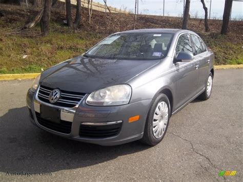 grey volkswagen jetta 2005 volkswagen jetta 2 5 sedan in platinum grey metallic