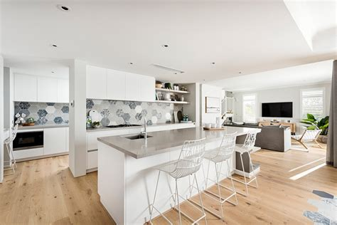 Hamptons Style Kitchens  The Maker