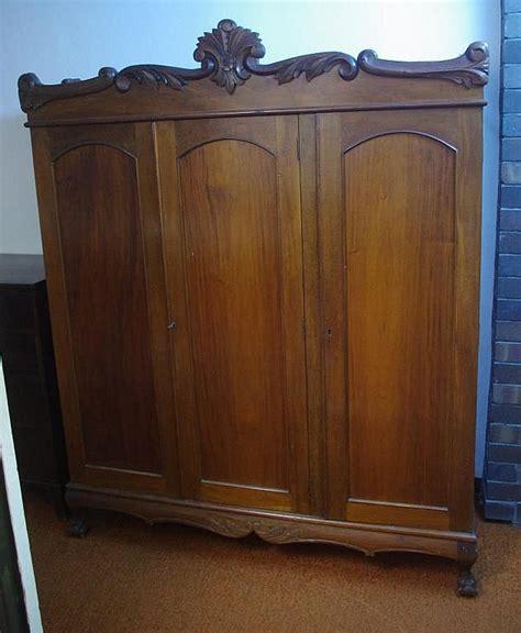 3 Foot Wide Wardrobe by Vintage 3 Door Wardrobe With 2 Door Hanging Compartment To T