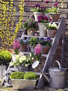 Blumenkästen Bepflanzen Ideen : blumentreppe mit fr hlingsblumen garten blumentreppe garten ideen und garten ~ Eleganceandgraceweddings.com Haus und Dekorationen