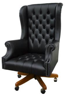 canape chesterfield noir fauteuils chesterfield de bureau