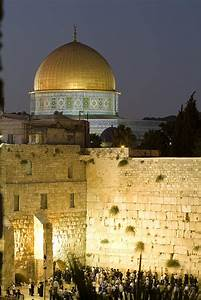 Dome Of The Rock And The Western Wall by Richard Nowitz ...