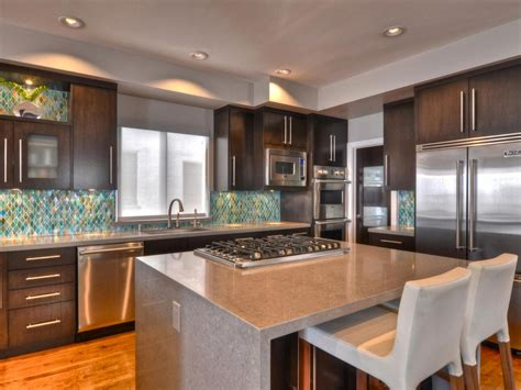 kitchen countertops quartz colors quartz kitchen countertops pictures ideas from hgtv hgtv 4322