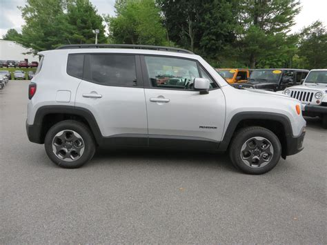 2015 Jeep Renegade Latitude In Glacier Silver