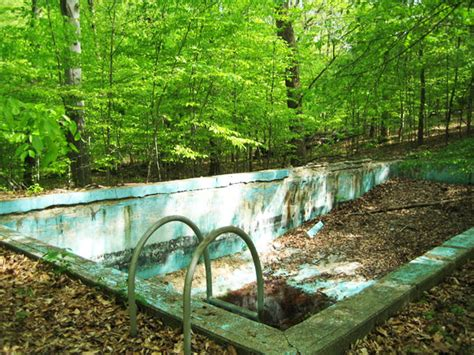 9 Scary Swimming Pools That Were Abandoned And Never