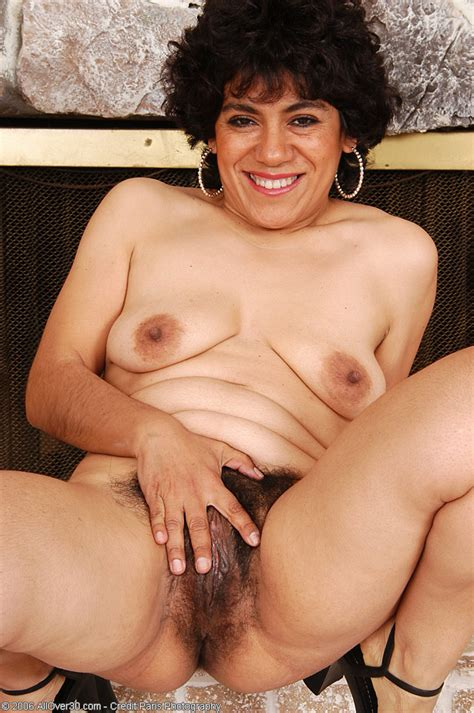 Very Hairy Pussy On This 44 Year Old Mexican Milf Pichunter