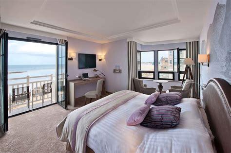 hotel avec chambre a theme hôtel 4 étoiles en bretagne vue mer à malo