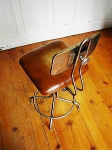 Chaise Industrielle Cuir : chaise industrielle en cuir et m chaises tabourets lampes luminaires eclairages ~ Teatrodelosmanantiales.com Idées de Décoration