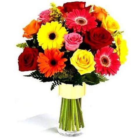 Plaša ziedu pušķu izvēle ar piegādi Ventspilī ir jāpasūta ...
