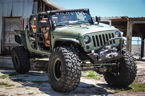 Jeep Jk Truck by Jk Crew Warehouse 34 Custom Jeeps Jeep Wrangler Truck