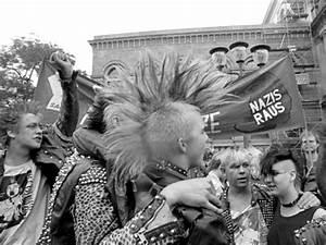 Mode In Den 80ern : zwischen protest und pessimismus archiv ~ Frokenaadalensverden.com Haus und Dekorationen