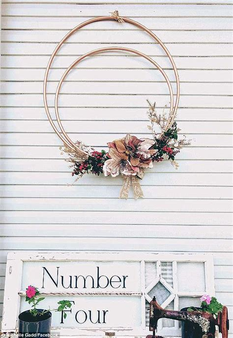 mums reveal   create stunning floral wreaths