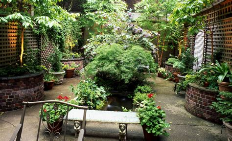 5 Amazing Urban Garden Designs