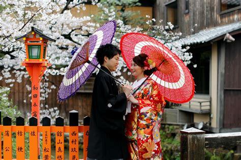 ญี่ปุ่นทุ่มงบหนุนใช้ เอไอ ช่วยหาคู่ กระตุ้นอัตราเกิดในปท.