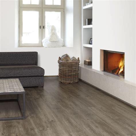 pergo flooring in kitchen berg eik 3161 3033 1 41 5m2 2 laminaat concurrent 4150