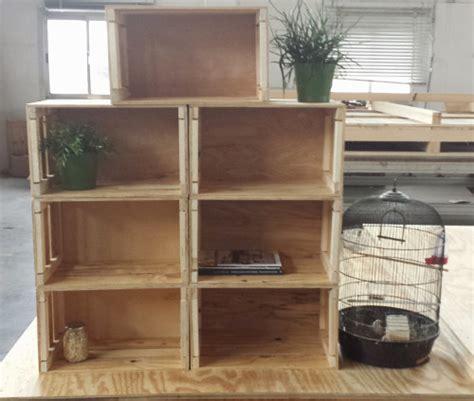 libreria con cassette di legno cassette in legno strutture in legno speciali
