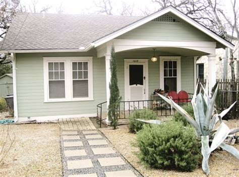 Like This Light Mint Green With White Trim (exterior House