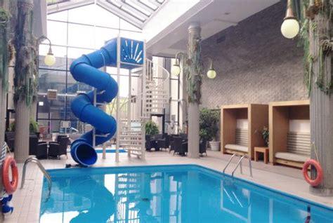 hotel chambre familiale 5 personnes glissade d 39 eau intérieure photo de hotel universel
