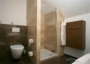 kleines schlafzimmer mit begehbarem kleiderschrank funvit graue farbe schlafzimmer