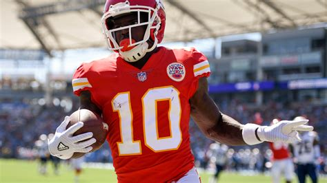 chiefs tuesday injury report tyreek hill practices  full