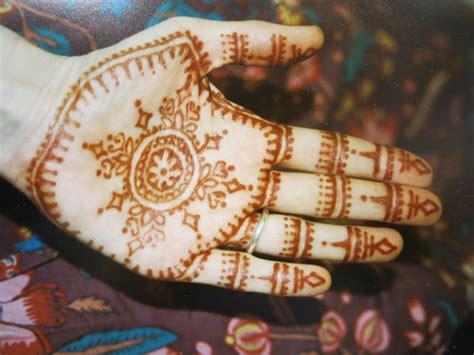 henna muster hand henna muster tradition bedeutung modetrend henna tattoo selber machen sch