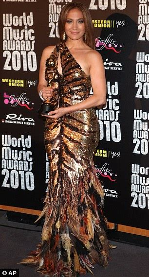 world  awards jennifer lopez shows  wild side