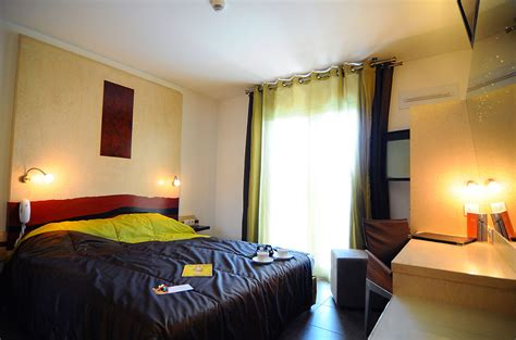 hotel avec dans la chambre pyrenees orientales h 244 tel 224 perpignan la fauceille restaurant brasserie