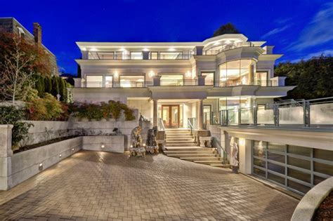 Ten Pleasant Modern Mansion Exterior Choices To Be