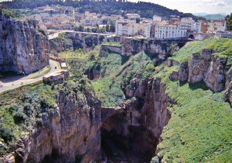 File:Constantine, Algeria, Bridge-10.jpg - Wikimedia Commons