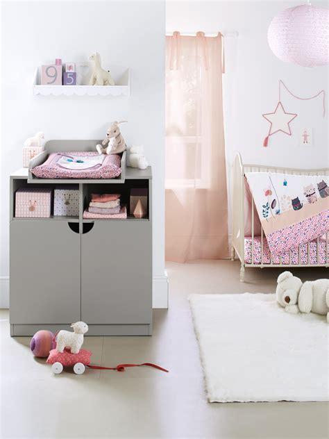 etagere murale chambre fille etagère murale coeur chambre fille blanc vertbaudet