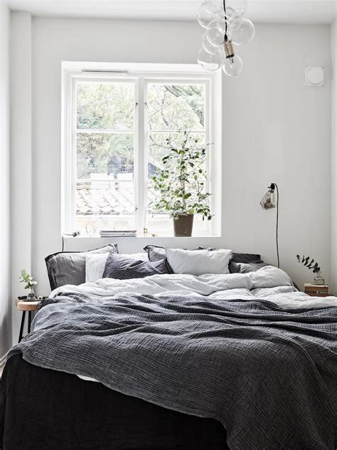 25+ best ideas about Bed against window on Pinterest