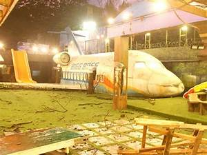 bigg boss 8 house no pool no beds and no kitchen With big boss bed