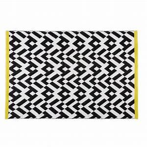 Tapis Graphique Noir Et Blanc : tapis graphique noir et blanc 140x200cm wild maisons du monde ~ Teatrodelosmanantiales.com Idées de Décoration