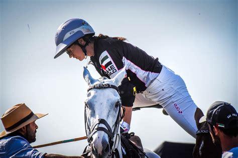 polo players female amazon horse head