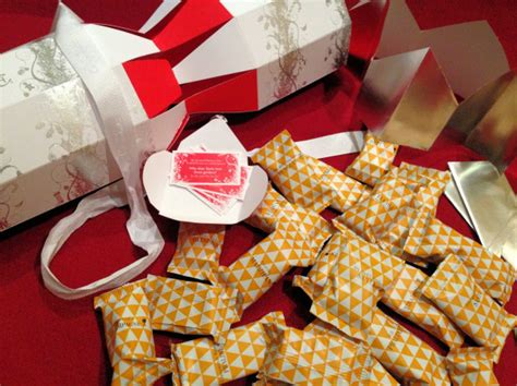 free download best value christmas crackers 2012 uk