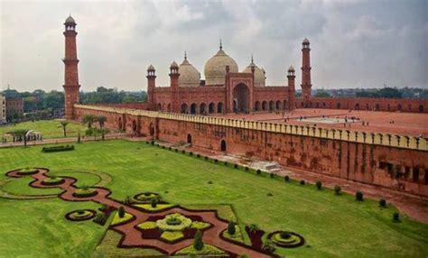 Badshahi Mosque Wallpaper Hd by Badshahi Mosque Of Lahore Pakistan Mosques World