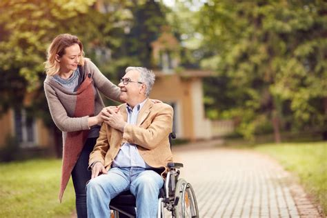 10 ieteikumi komunikācijai ar cilvēku ratiņkrēslā