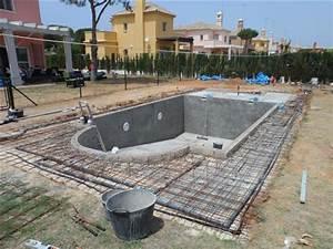 la piscine maconnee beton With modele de piscine en beton